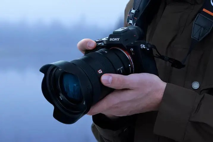 Best Memory Card For Sony A7R IV