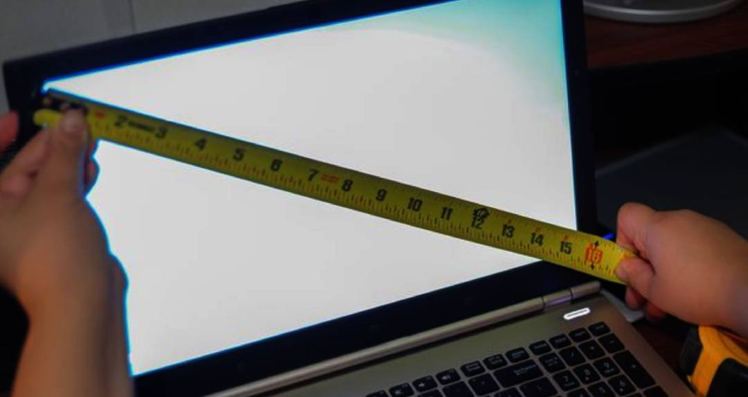MEASURE LAPTOPS - HOW TO MEASURE MONITOR SIZE