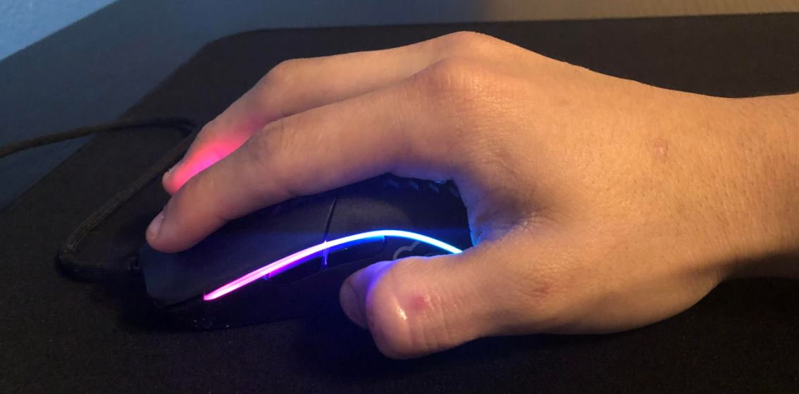 Best-Mouse-Grip-For-FPS