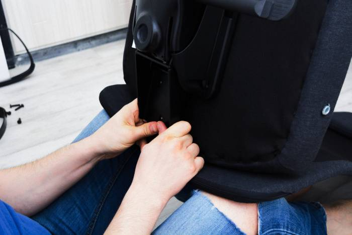 SQUEAKY - How to fix a squeaky office chair